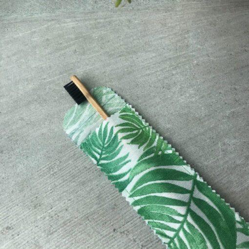 Etui brosse à dents green 2